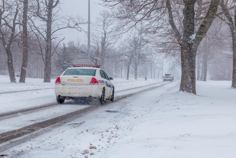 Samochód policyjny goni samochód obraz royalty free