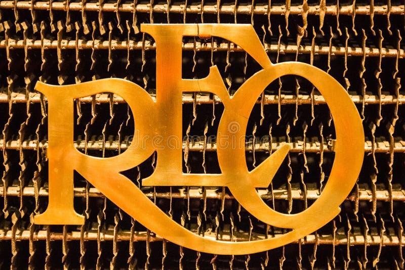 samochód samochód retro sepiowy roczne REO silnika producenta samochodów emblemat Kaloryferowy Grille zdjęcie stock