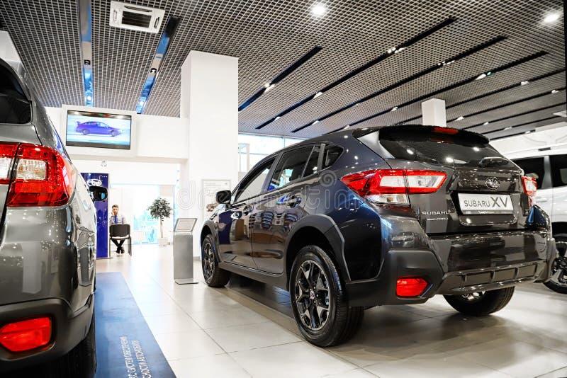 Samochód w sala wystawowej przedstawicielstwo handlowe Subaru w Kazan w 2018 zdjęcia stock