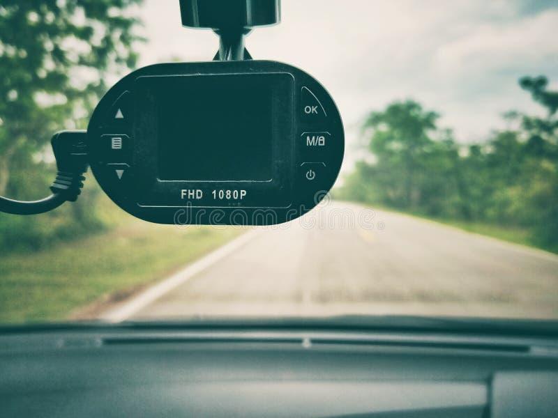 Samochód z kamerą bezpieczeństwa na drodze obraz stock