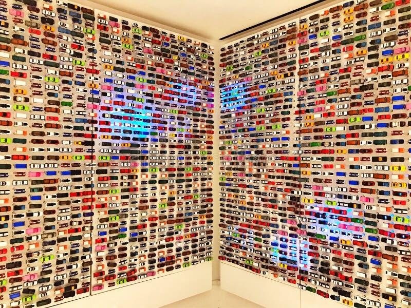 Samochodów modelów przedstawienie na ścianie fotografia royalty free