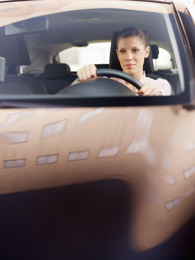 samochodowa napędowa kobieta obraz royalty free