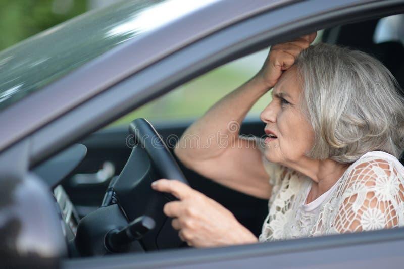 samochodowa napędowa starsza kobieta zdjęcia stock