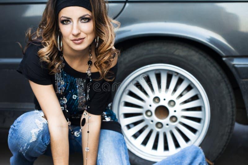 samochodowa pobliski kobieta zdjęcia stock