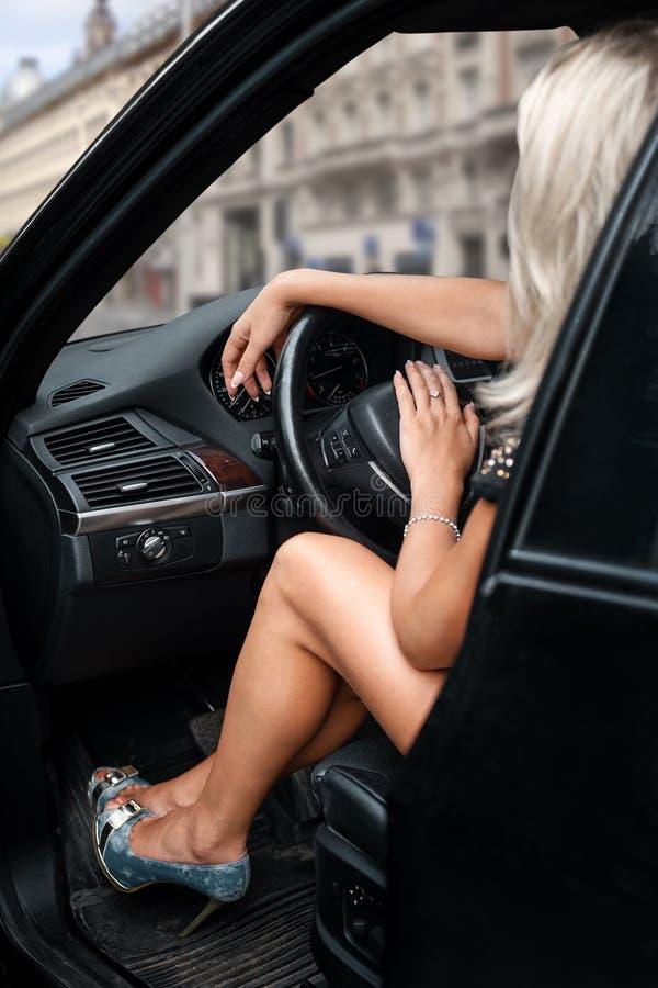 samochodowa siedząca kobieta zdjęcia stock
