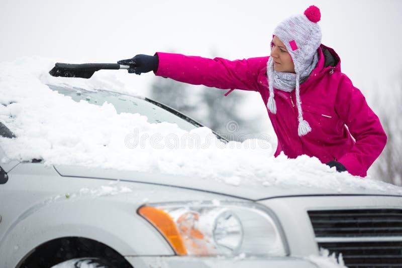 samochodowa target1198_0_ śnieżna kobieta fotografia stock