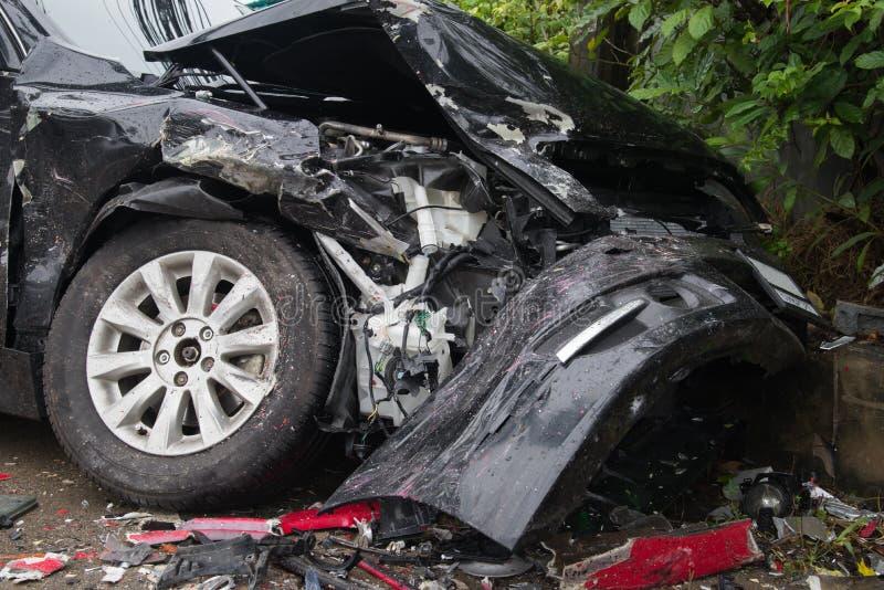 Samochodowego karambolu trzaska bariery wypadkowy ogrodzenie obraz stock