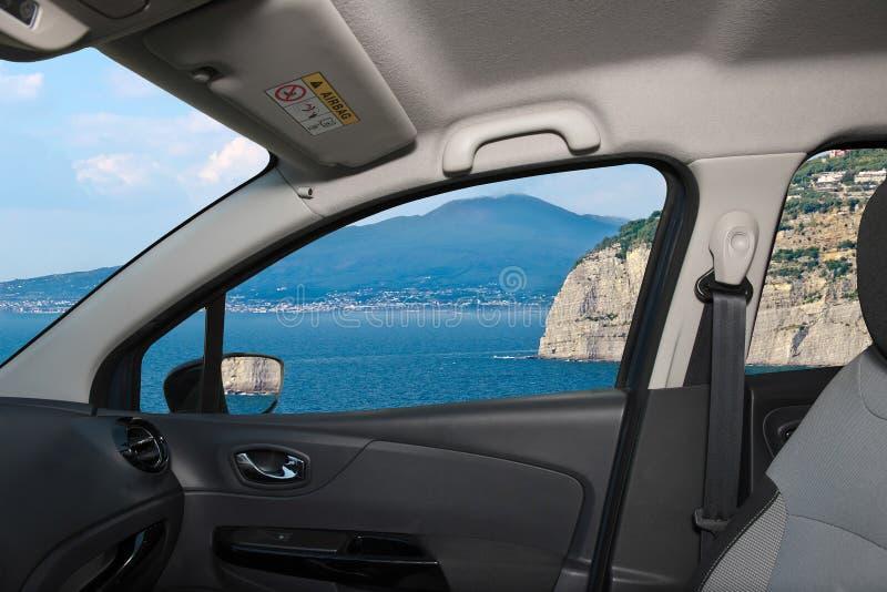 Samochodowego okno widok wulkan Vesuvius, Naples, Włochy fotografia stock