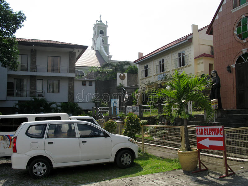 Samochodowy błogosławieństwo, Krajowa świątynia Boska litość w Marilao, Bulacan zdjęcia royalty free