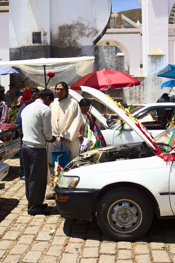 Samochodowy błogosławieństwo w Copacabana, Boliwia zdjęcia stock