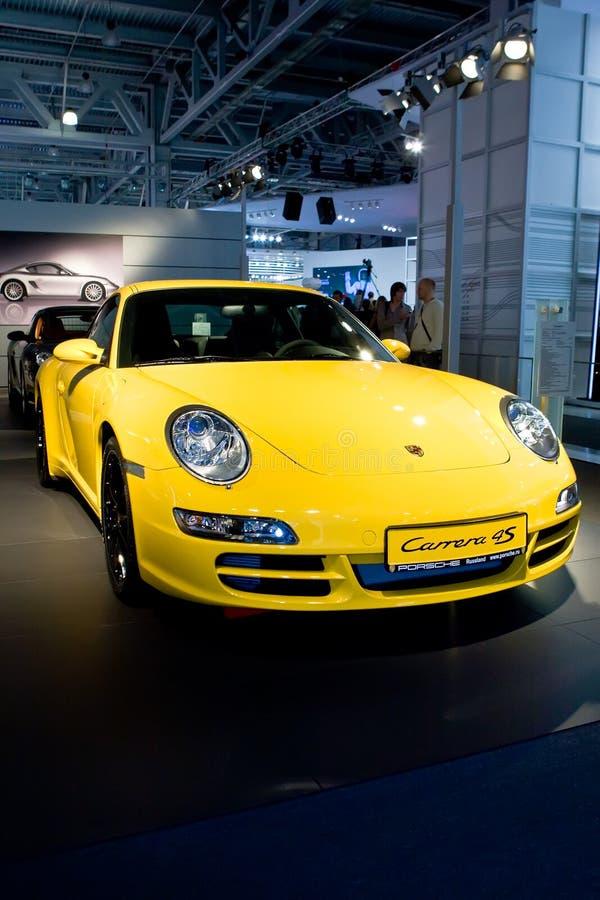 Download Samochodowy Carrera Parsche Sporta Kolor żółty Obraz Stock Editorial - Obraz złożonej z guma, klingeryt: 13333489