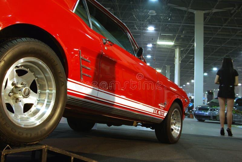 samochodowy czerwony strojeniowy biel fotografia stock