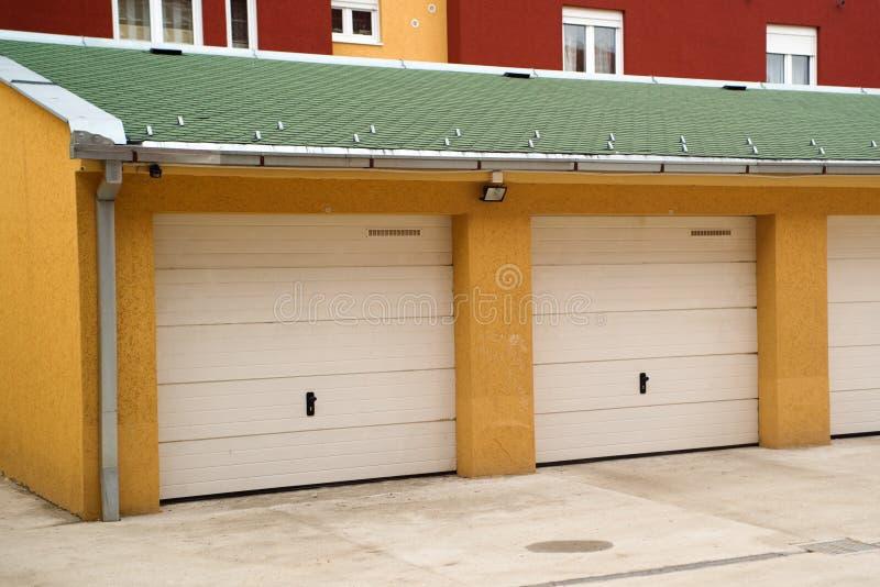 Samochodowy garaż obraz stock