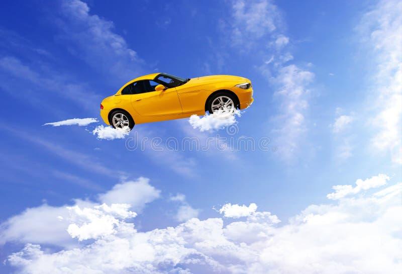 Samochodowy latanie na niebieskiego nieba tle obraz royalty free