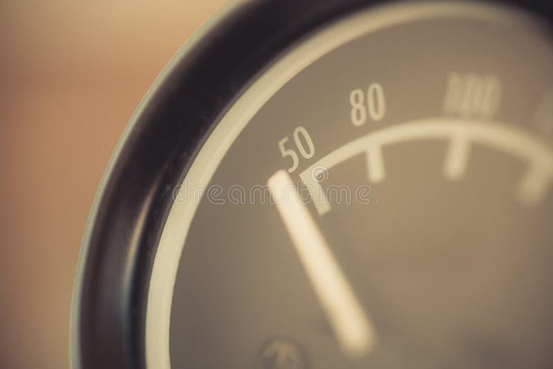 Samochodowy nafcianej temperatury wymiernik zdjęcia stock