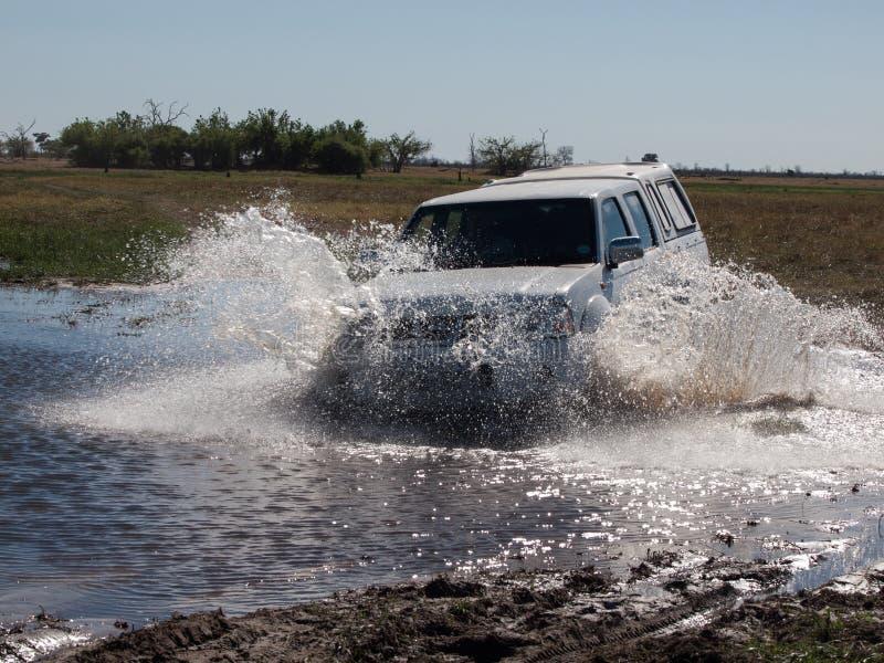 Samochodowy omijanie bród zdjęcia stock