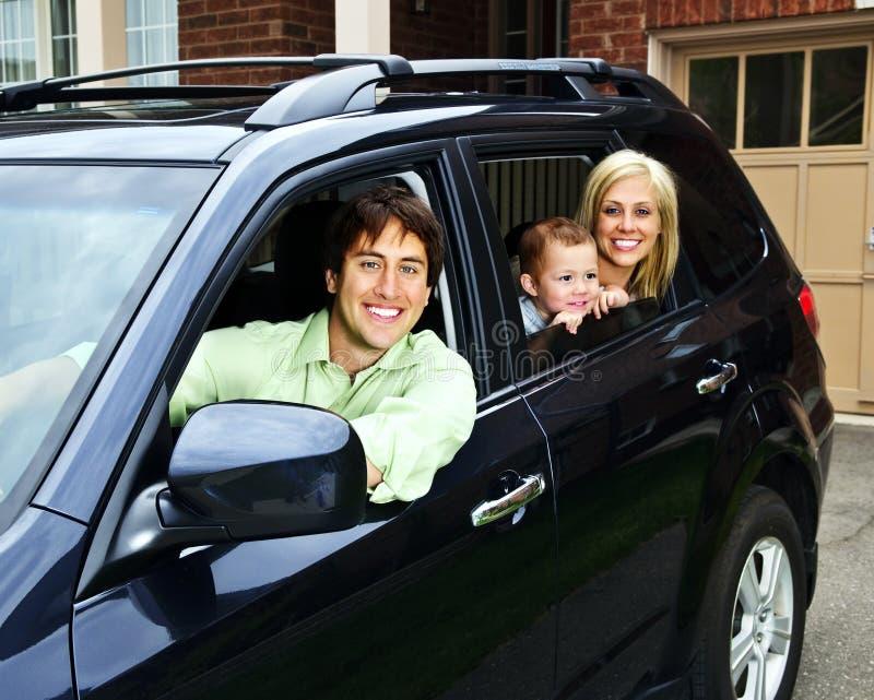 samochodowy rodzinny szczęśliwy fotografia royalty free