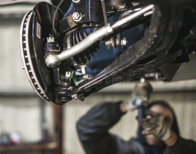 Samochodowy zawieszenie rozdziela z płytką głębią pole fotografia stock