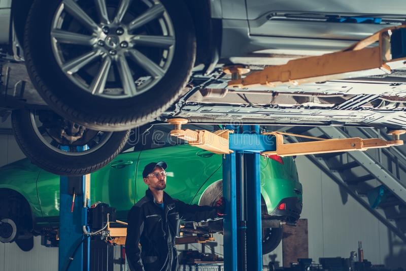 Samochodu mechanik i usługa fotografia royalty free