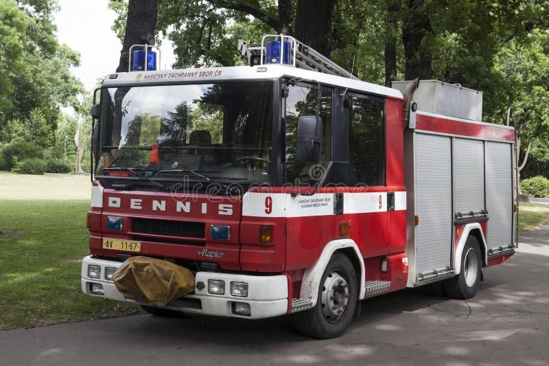 Samochodu ogień w Praga zdjęcia stock