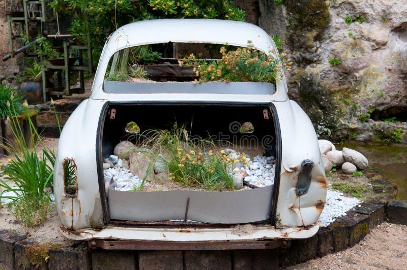 samochodu rocznik ogrodowy instalacyjny obraz stock