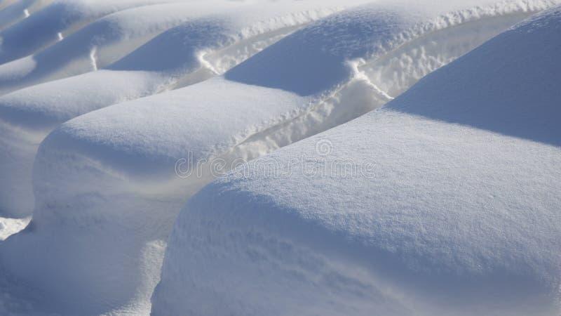 Samochody Pod Głębokim śniegiem obraz royalty free