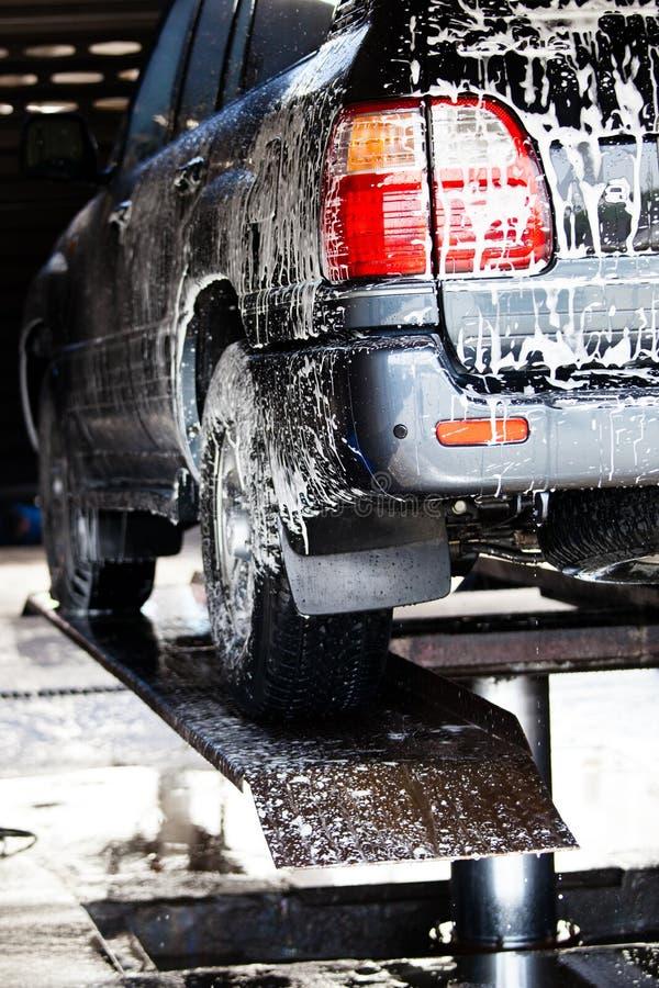 Samochody w carwash obrazy royalty free
