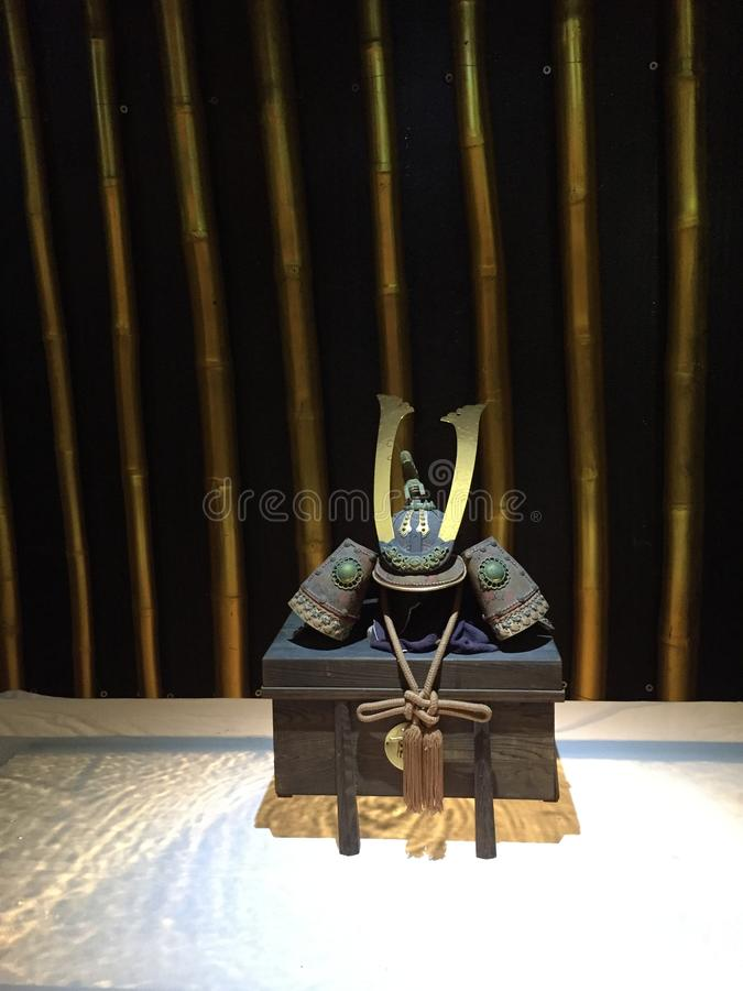 Samoeraienhelm, Kabuto, Traditioneel Japans pantser stock afbeelding