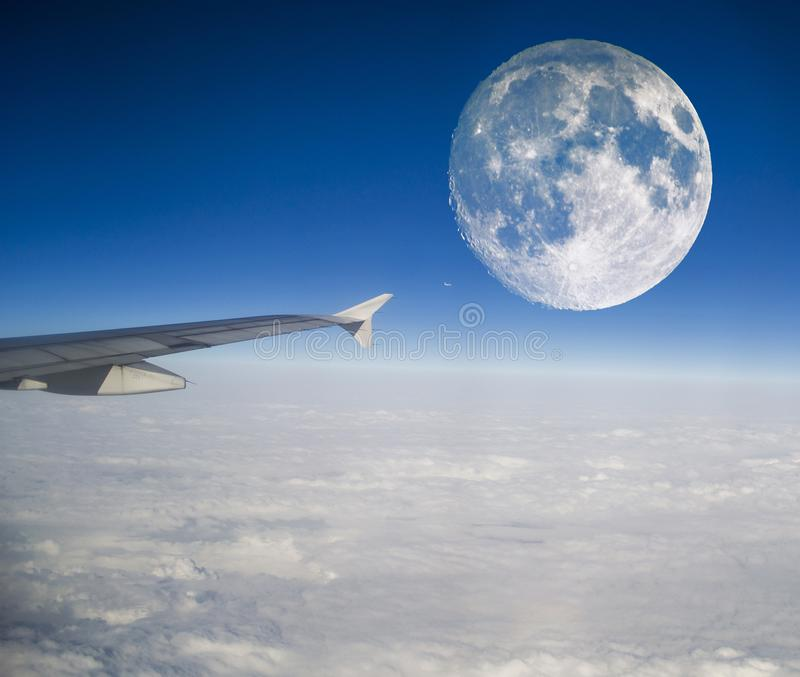 Samolot i księżyc obrazy stock
