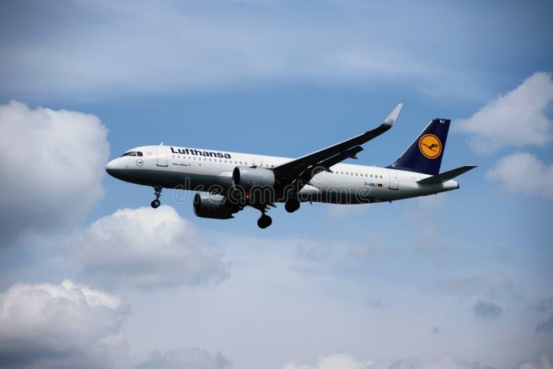 Samolot Lufthansa linie lotnicze obrazy royalty free