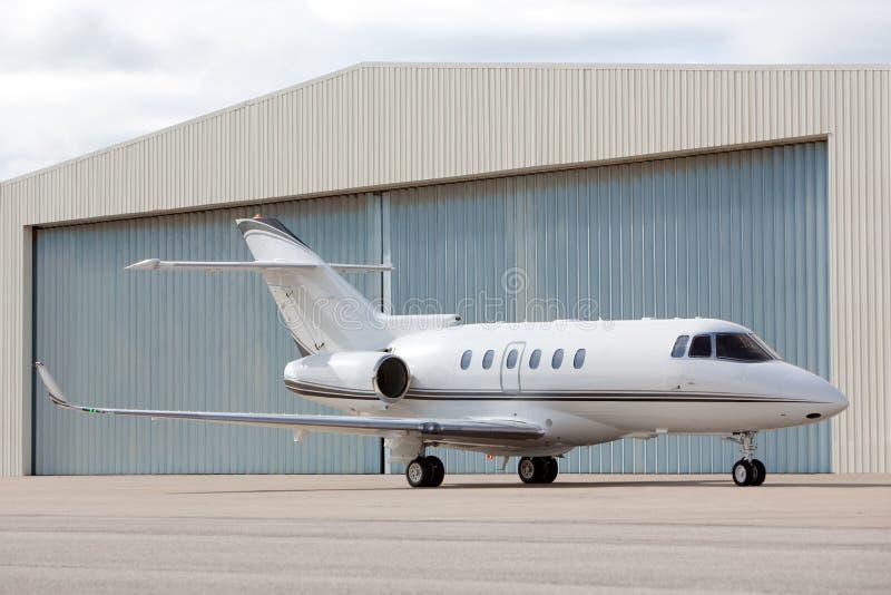 samolot parkujący zdjęcie royalty free