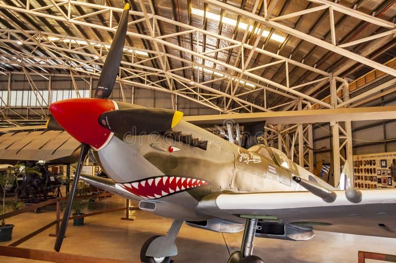 Samolot wśrodku Darwin wojskowego muzeum fotografia stock
