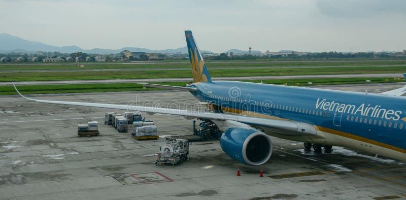 Samolotowa kurtyzacja przy lotniskiem zdjęcie royalty free
