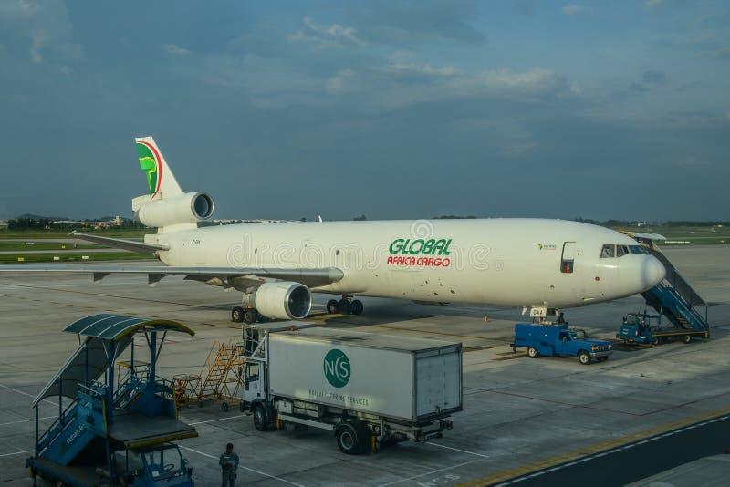 Samolotowa kurtyzacja przy lotniskiem obrazy royalty free