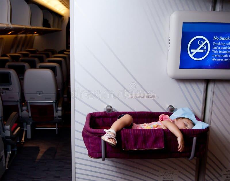 samolotowy dziecka bassinet dziewczyny sen obraz stock