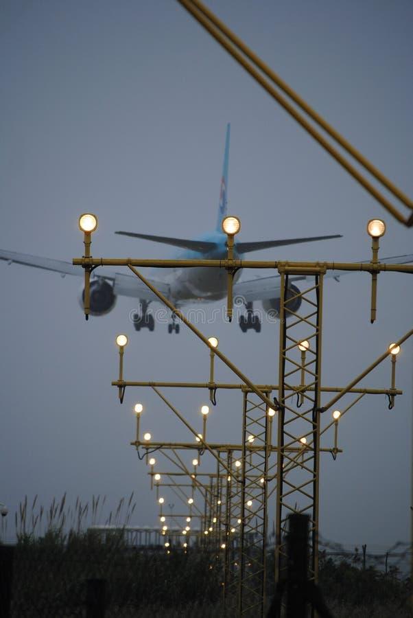 Samolotowy lądowanie przy Barcelona lotniskiem zdjęcia royalty free