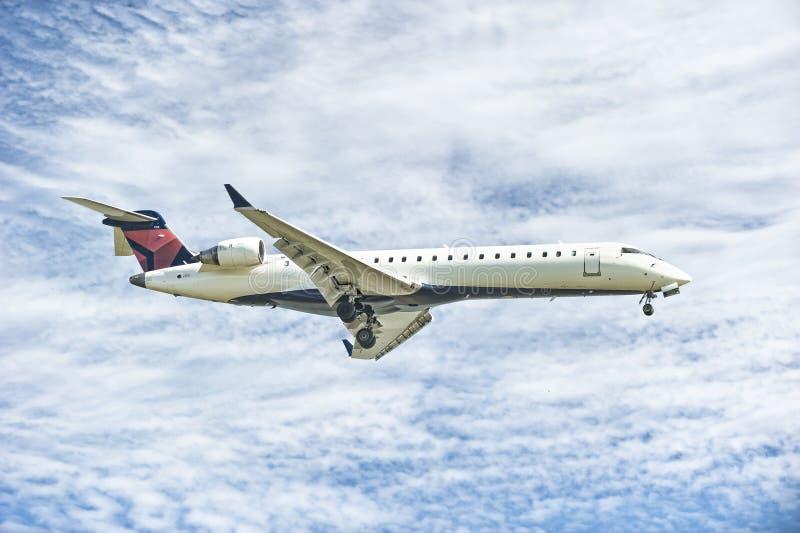Download Samolotowy lądowanie obraz stock. Obraz złożonej z target31 - 23663609