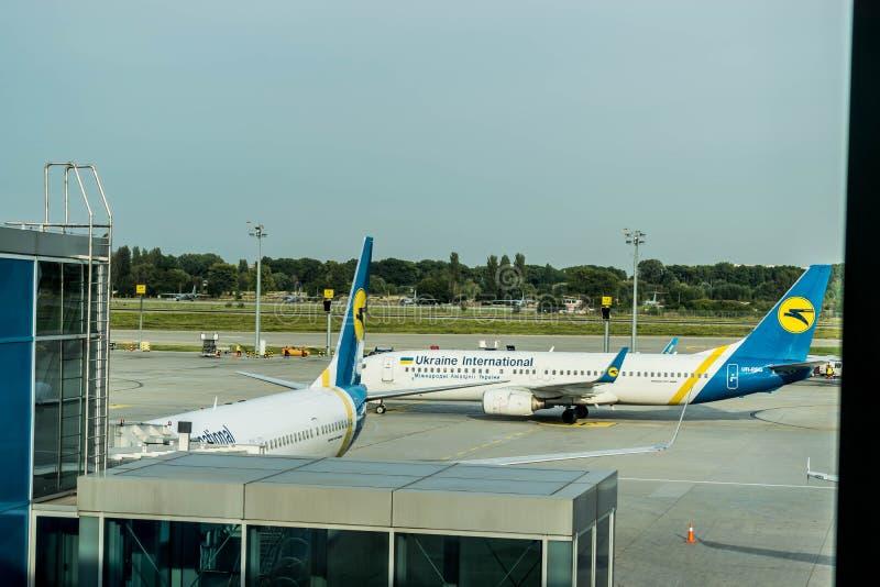 Samoloty Boeing przy Boryspil lotniskiem zdjęcia royalty free