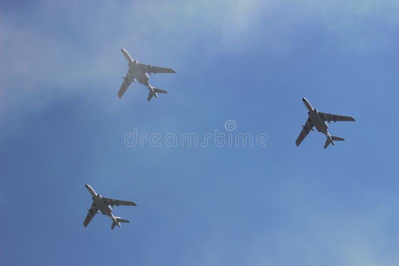Samoloty w chmurze zdjęcia royalty free