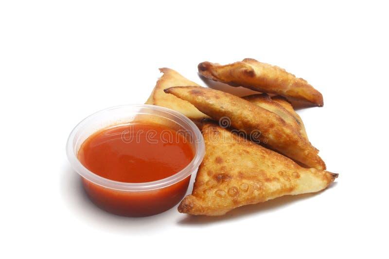 Samosa с соусом chili стоковые изображения