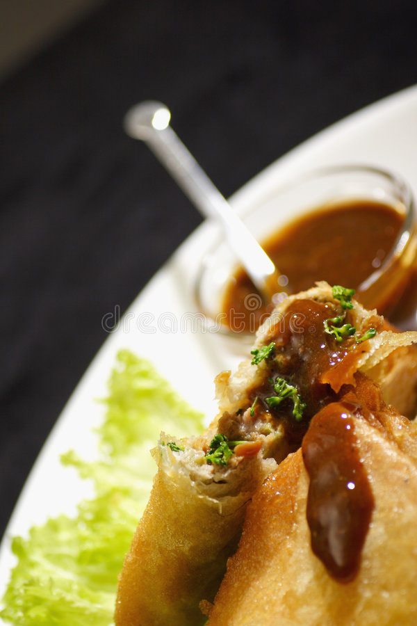 Download Samosa With Plum Sauce Royalty Free Stock Photos - Image: 1529218
