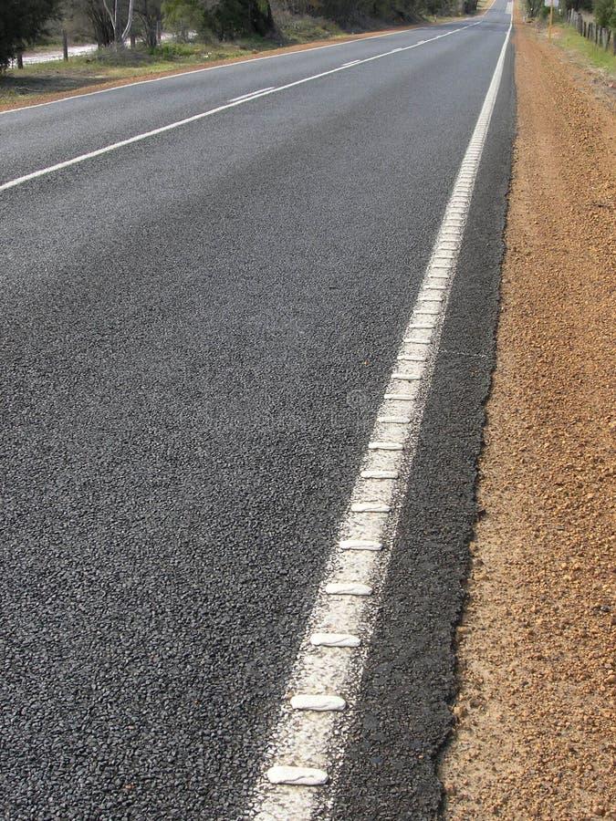 Download Samotna 2 road zdjęcie stock. Obraz złożonej z pusty, odległość - 44718