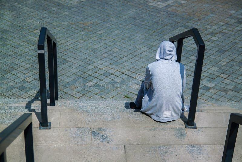 samotno??, depresja i ze z?amanym sercem poj?cie, zdjęcie stock