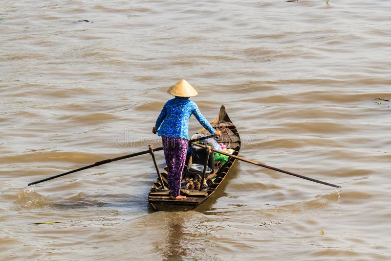 Sampan, δημοφιλής μικρή βάρκα Mekong στο δέλτα, Βιετνάμ στοκ φωτογραφία