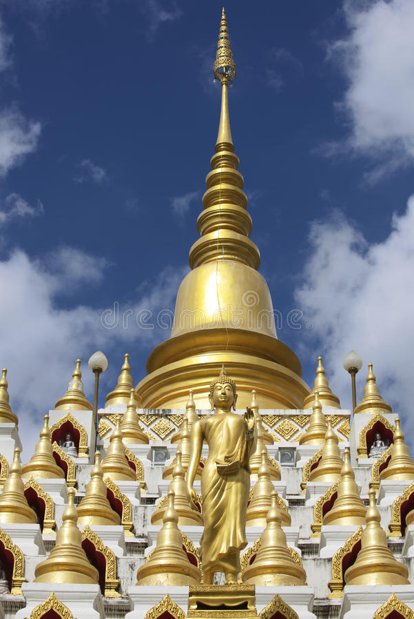 Samphutthechedi dichtbij Wat Mani Phraison, Mae Sot, Tak, Thailand stock foto