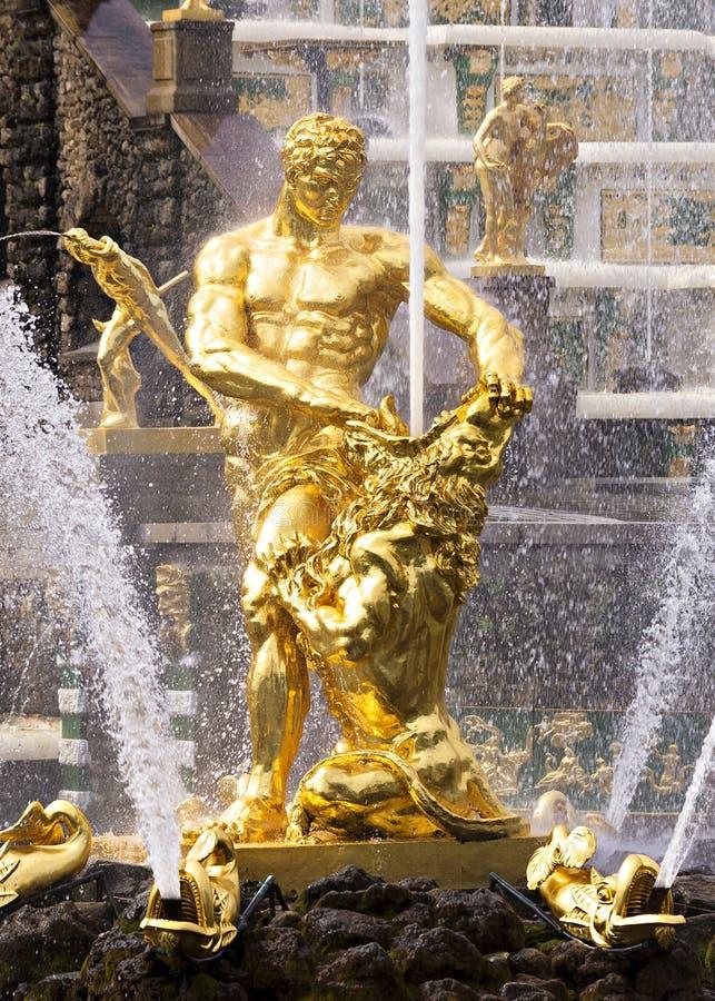 Samson fontanna w Peterhof, Rosja fotografia royalty free