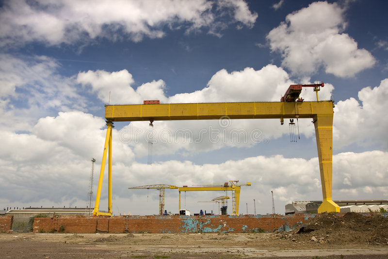 Samson And Goliath Royalty Free Stock Images