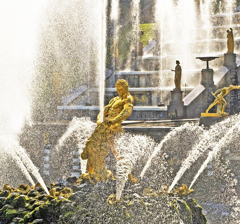 Download Samson And The Lion Fountain Stock Photo - Image: 13564956
