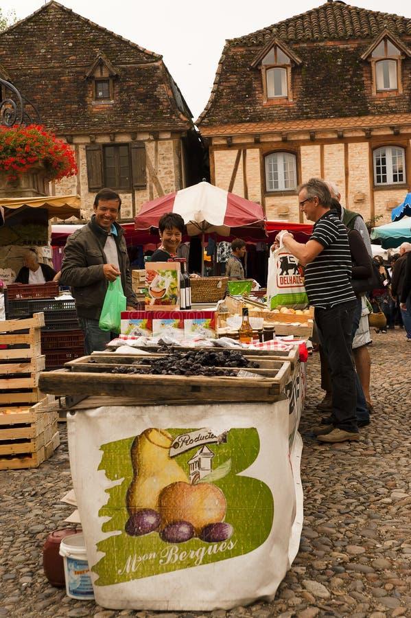 Samstag-Markt Heilig-Cere Frankreich stockfoto
