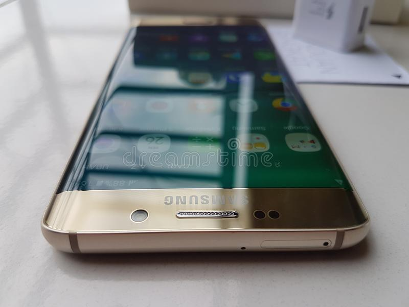 Samsung galacxy s6 edge plus gold paltinum stock photography